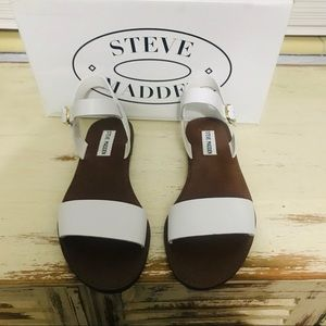 NWT Steve Madden Donddi Sandals